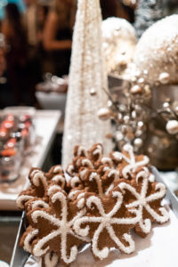 Snowflake shaped gingerbread